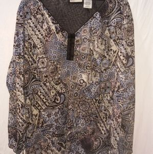 Plus size 26/28 design blouse. Great style!!